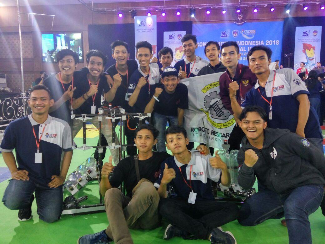 Tim Robot Brahmana IST AKPRIND Yogyakarta Rebut Juara 2 Regional III kategori KRAI pada Kontes Robot Indonesia 2018