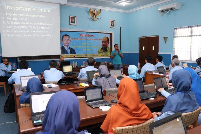 Pelatihan Penulisan Artikel Jurnal Internasional, hadirkan Dosen Universiti Pahang Malaysia