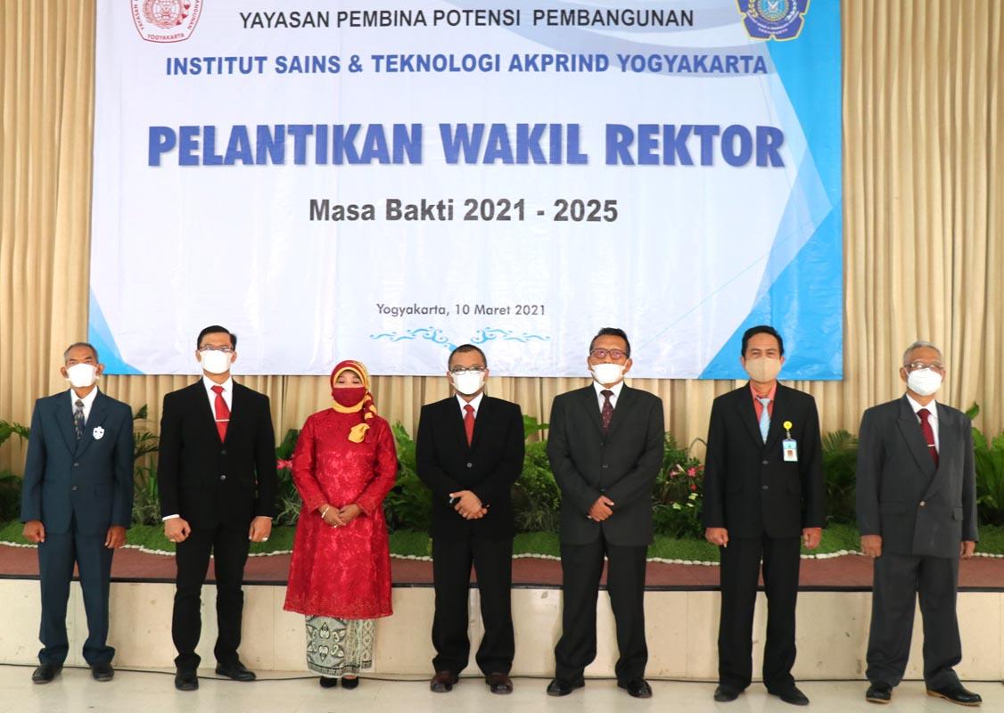 Rektor IST AKPRIND Lantik Wakil Rektor Masa Bakti 2021-2025